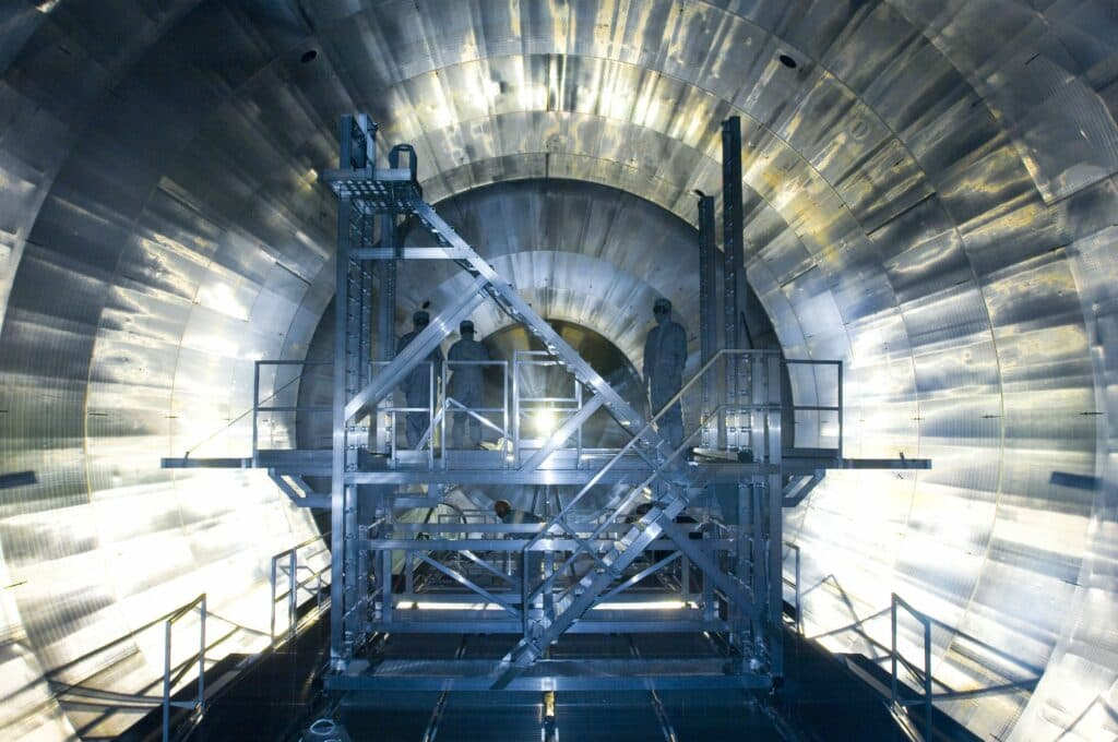 Virtual Reality at KIT: Now Everyone Can Experiment with Neutrinos